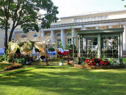 Х Международный Фестиваль 'Императорские Сады России'